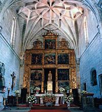 Capilla mayor de la iglesia parroquial de Pontedeume